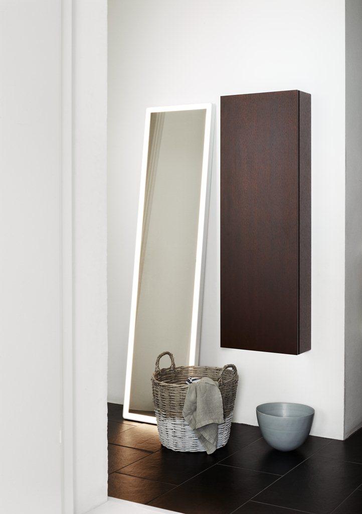 40x160cm mirror with intergrated lighting. Dansani