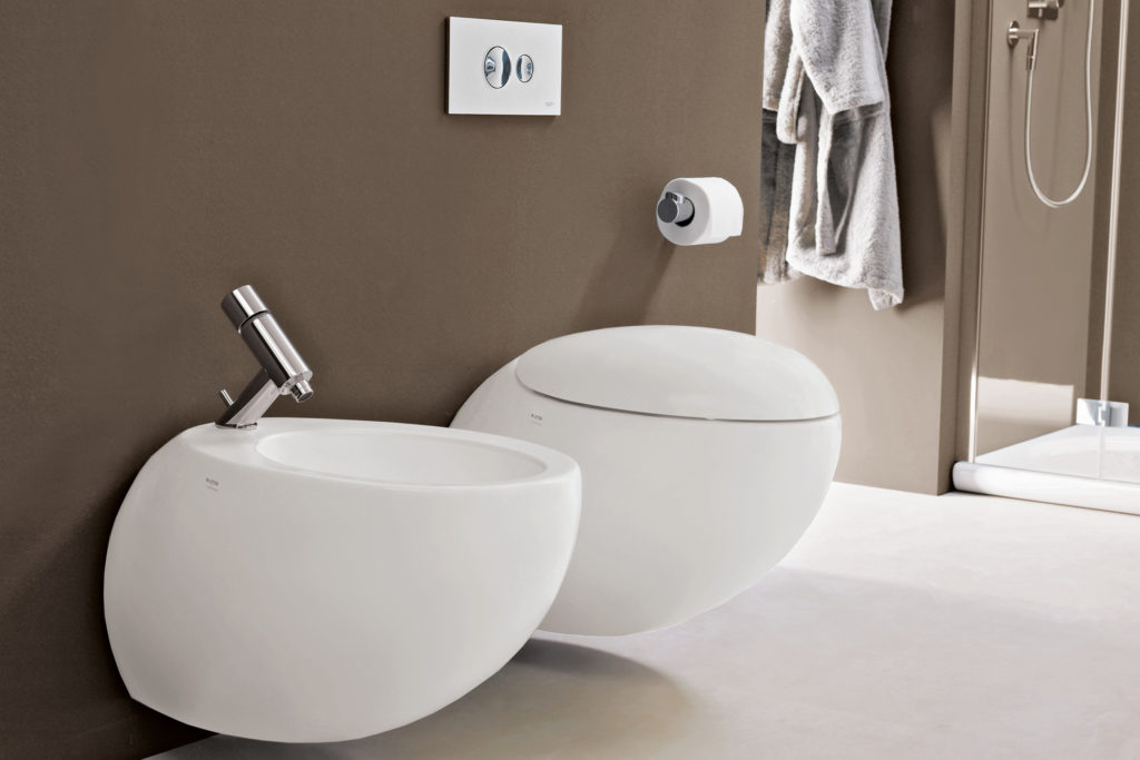IL bagno alessi one. Toilet and bidet.