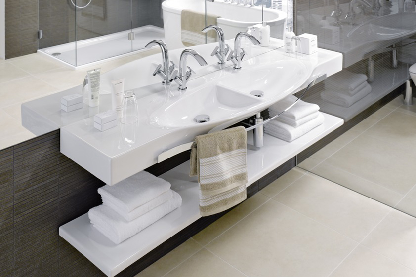 Palace double sink with ceramic shelf