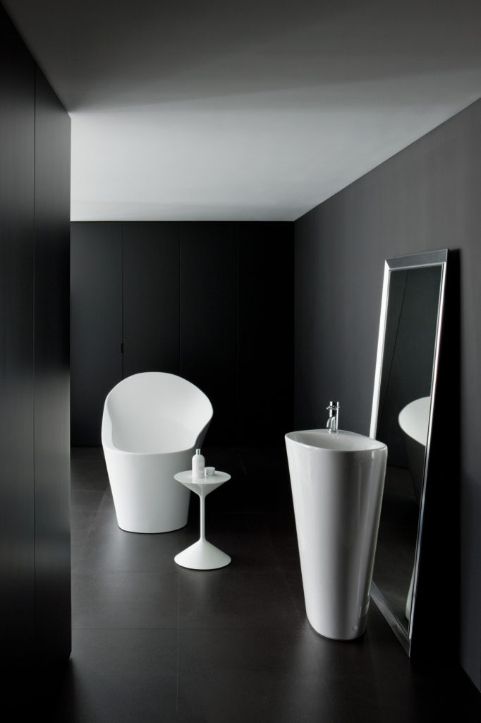 Palomba available in a range of sizes.Laufen