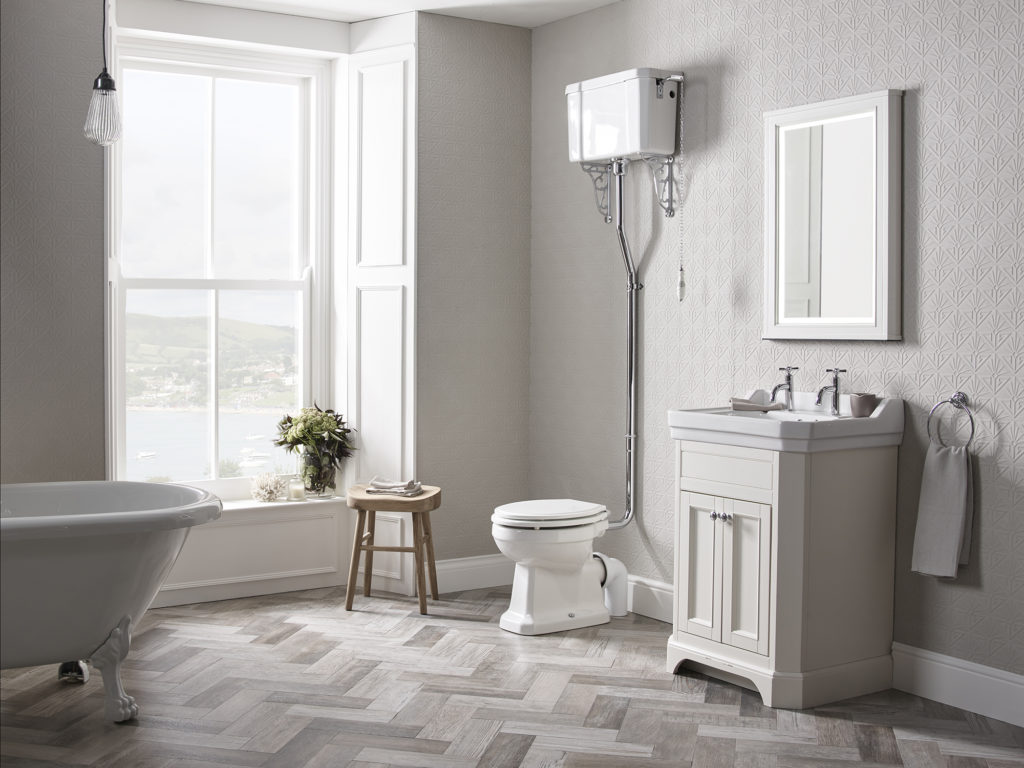 Vitoria 600 free standing Unit linen white lifestyle With cheltenham Taps